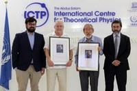 Alberto Verjovsky recibe el Premio Espíritu de Abdus Salam