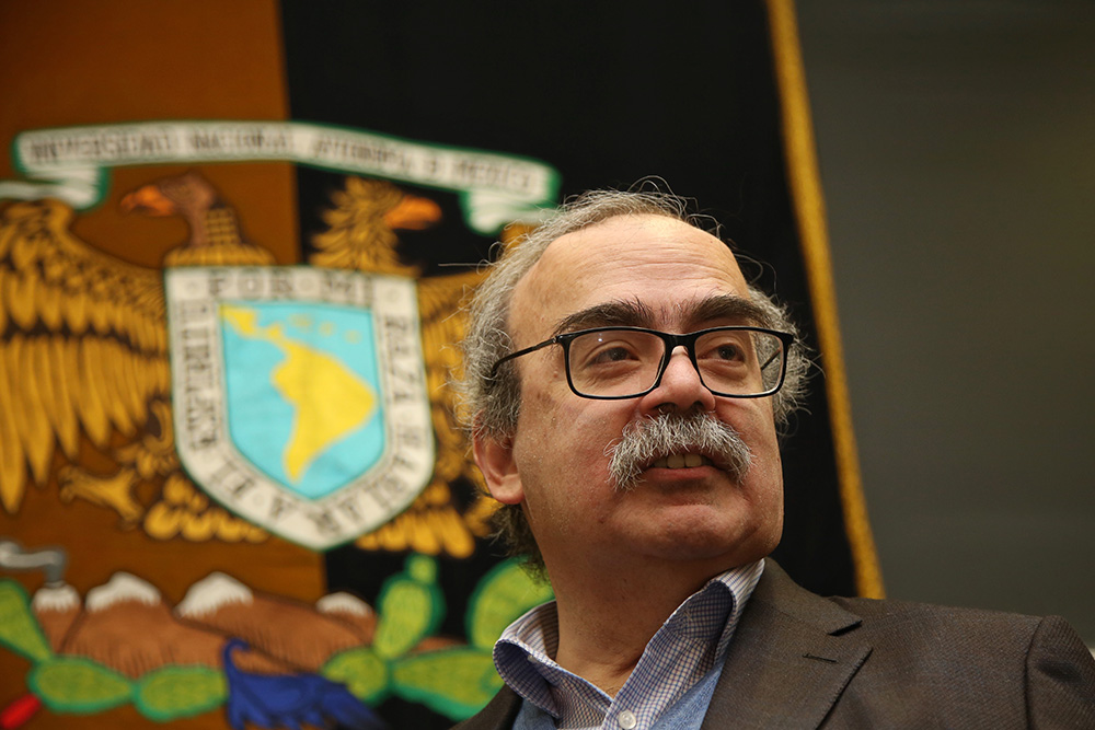 Celebran con un congreso los 60 años del matemático José Antonio de la Peña
