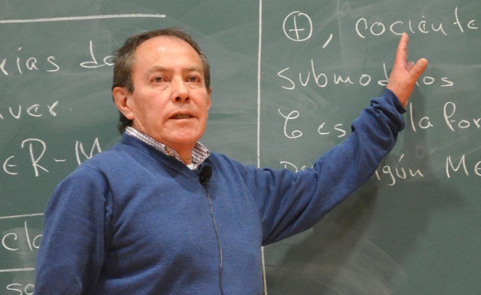 José Ríos galardonado con el Premio Universidad Nacional 2018 en el área de docencia en ciencias exactas