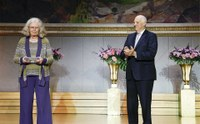Karen Uhlenbeck recibe el premio Abel de matemáticas