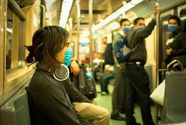 Los patógenos se mueven con la gente por las rutas de transporte, las matemáticas son capaces de explicar cómo se dispersan los virus.