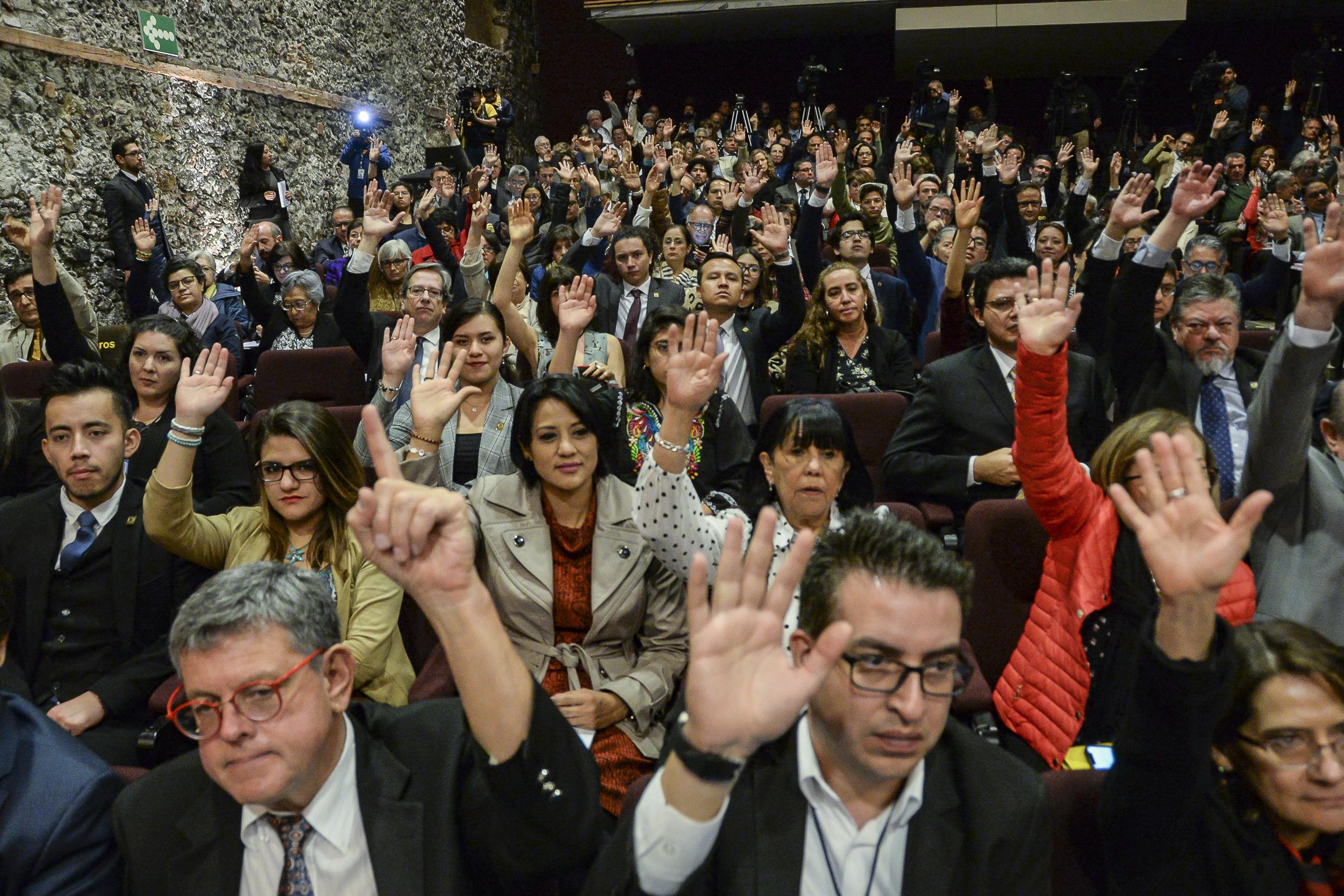 Nombra el Consejo Universitario seis nuevos Emeritazgos; tres son mujeres